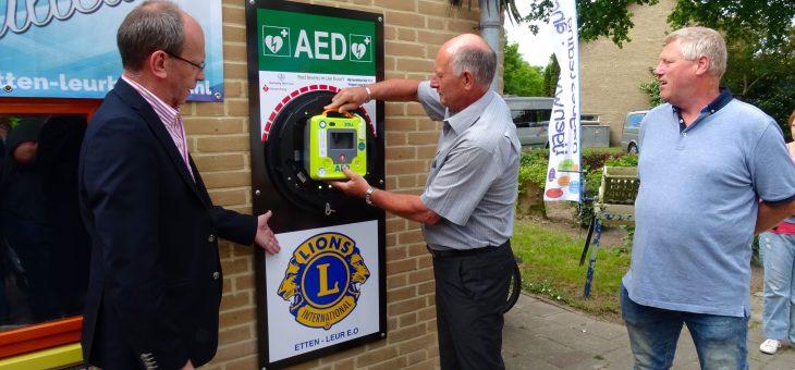 Twintigste AED geplaatst in Etten-Leur bij Stichting IJgenwys en Anders